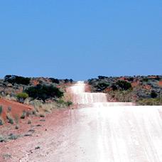 Die kalahari wüste in namibia sonnenwetter soweit das auge reicht